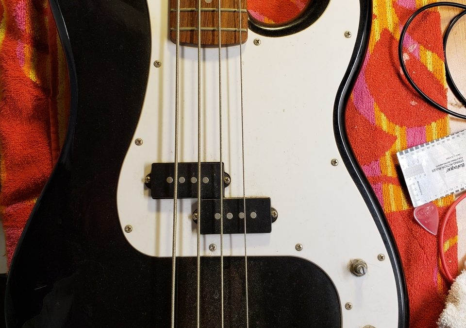 Squier P-Bass – How Cheap Can Fender Get???