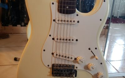 Squier Strat Gets Checked Out & Setup